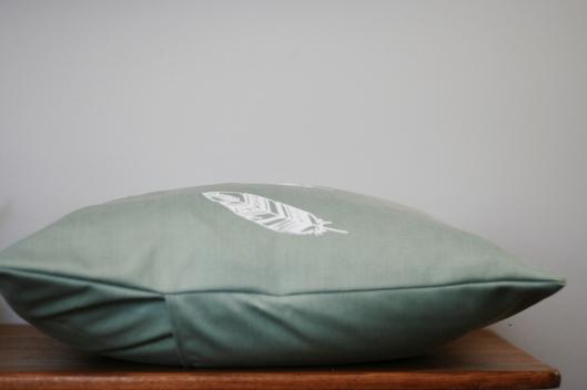pillow 006